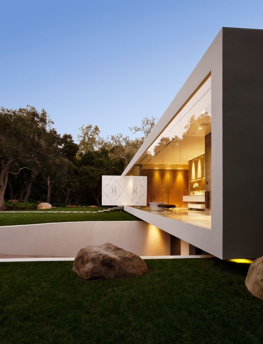 The_Most_Minimalist_House_Ever_Designed_featured_on_architecture_beast_03